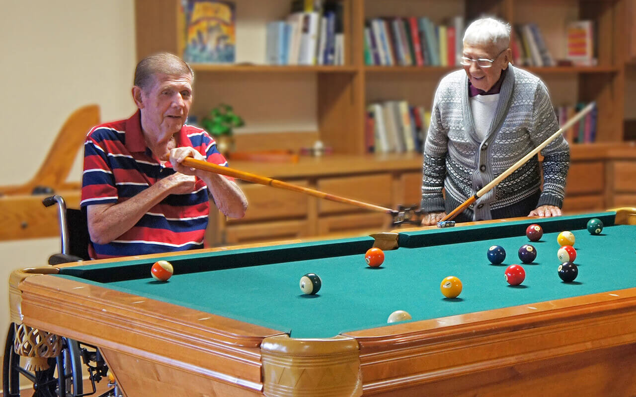 deerwood-place-02-patients-playing-pool