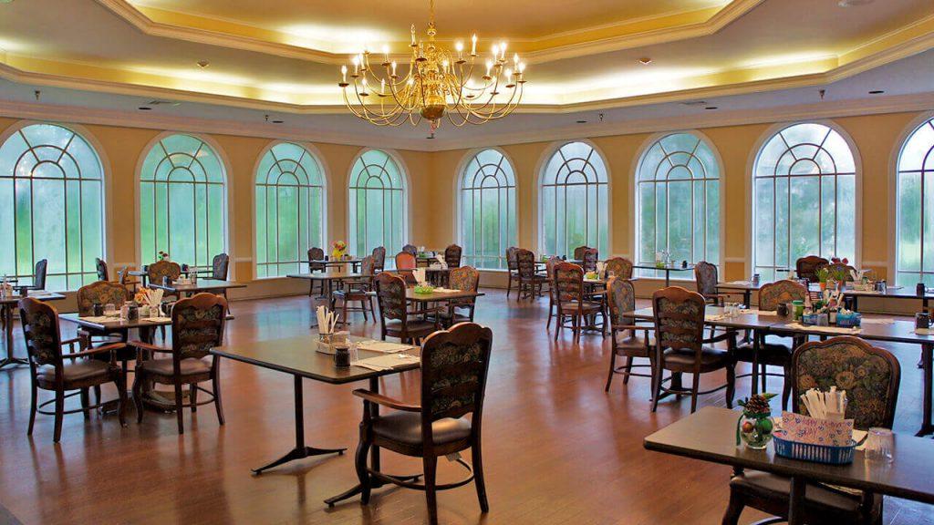 deerwood-place-dining-room