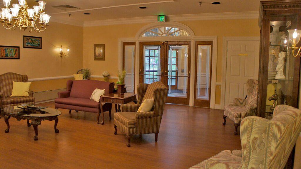 deerwood-place-living-room-01