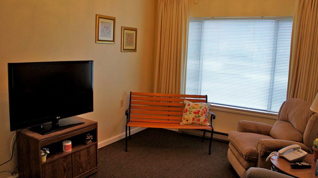 deerwood-place-patient-room-02