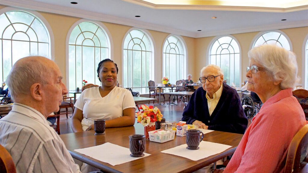 deerwood-place-patients-dining-table-01
